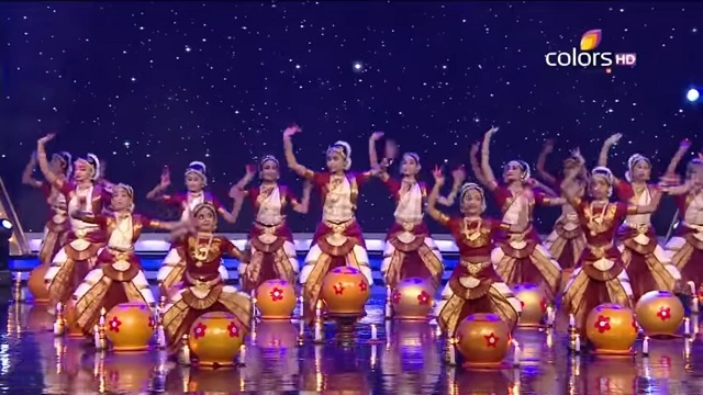 Extraordinary BharataNatyam Dance by Manjula Ramaswamy Troupe